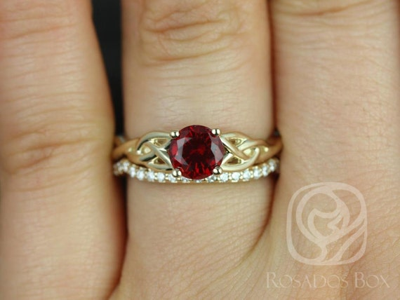 6mm Round Ruby Diamonds Celtic Love Knot Triquetra Wedding Set Rings Rings,14kt Solid Yellow Gold,Cassidy 6mm,Rosados Box
