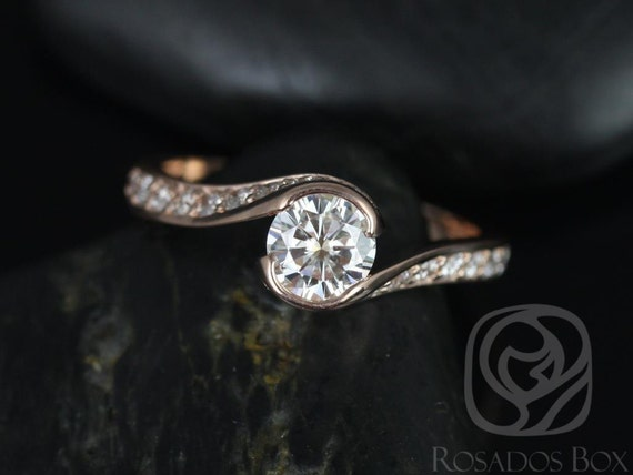 0.60ct Odala 5.5mm 14kt Rose Gold Round Forever One Moissanite Diamonds Bypass Twisted Round Engagement Ring,Rosados Box