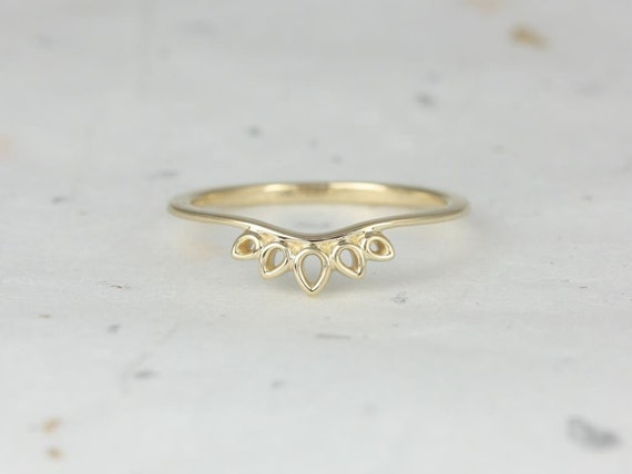 Rosados Box DIAMOND FREE Lollie Yellow Gold Drop Leaf Tiara Curved Ring