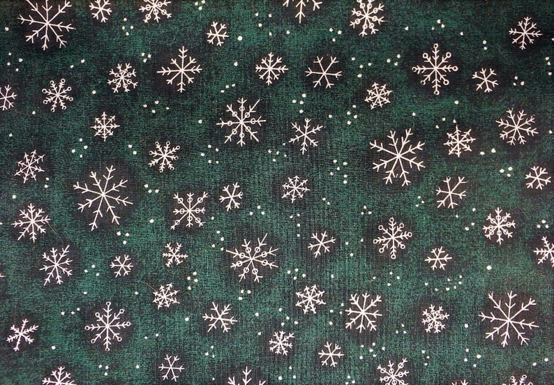 Holiday Snowflakes Blue Benartex Christmas 100/% cotton fabric by the yard
