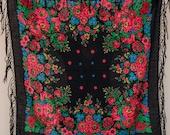 VINTAGE Pavlovo Posad shawl Russian chale russe, Ukrainian Platok babushka scarf. Black wool floral shawl, foulard russe, Gift for her