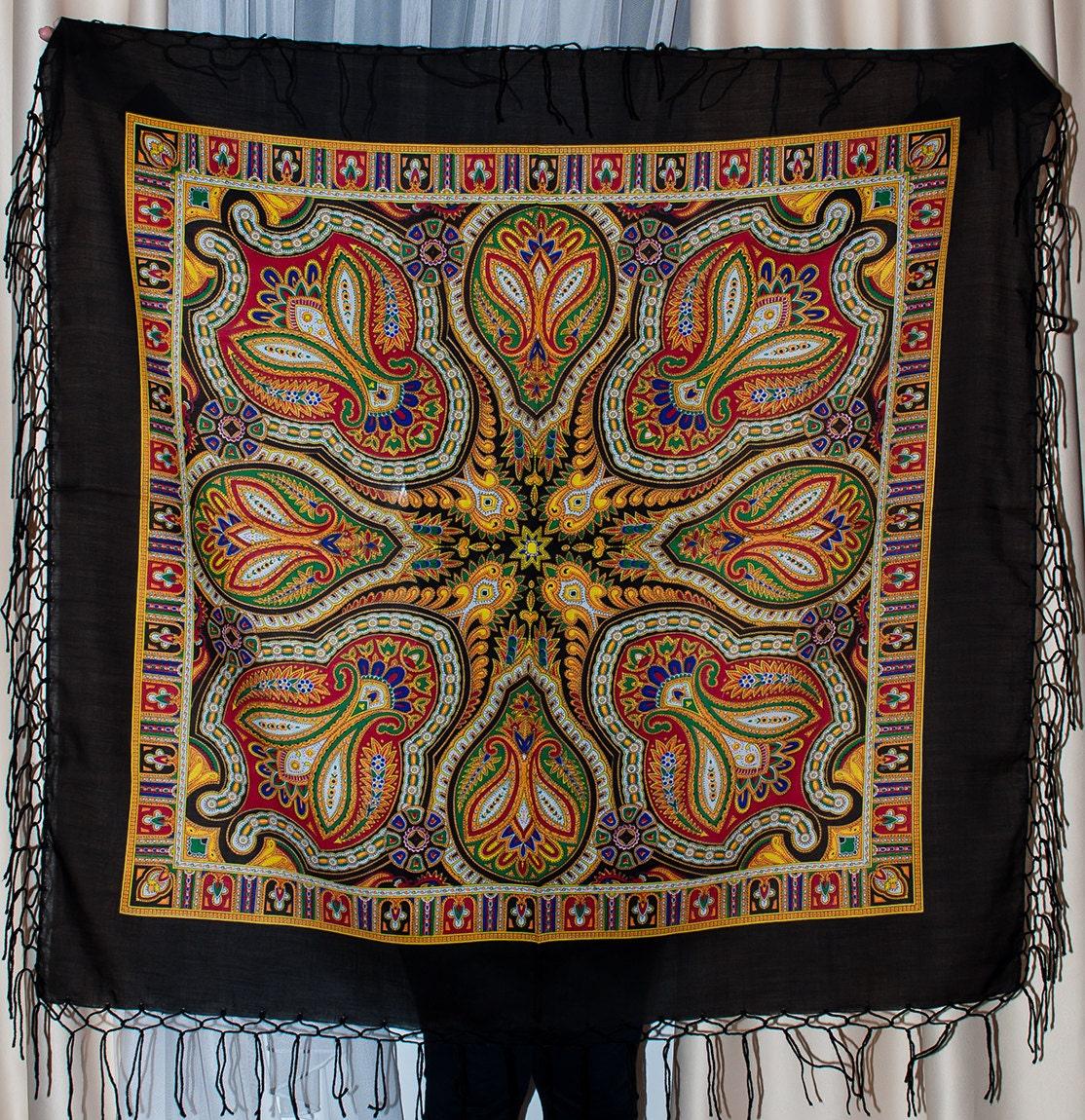 foulard russe ch le foulard sur la t te r sum etsy. Black Bedroom Furniture Sets. Home Design Ideas