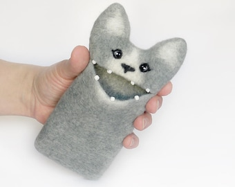 Grey Cat iphone 7 case, iPhone 7 case, felt iphone  sleeve, wool cat, Ready to ship