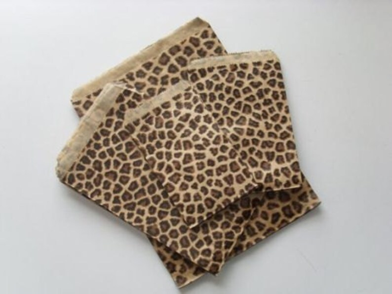 DAMASK Leopard Print Kraft Paper Merchandise Bags 2-Sizes ~ Tasteful and Elegant !!