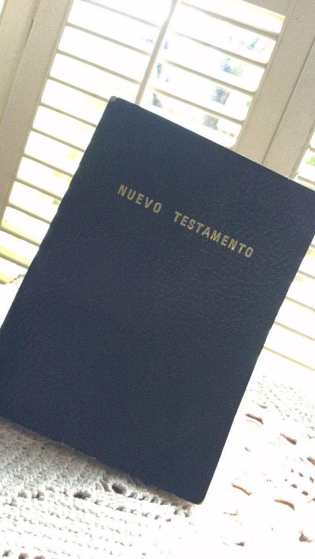 Vintage Nuevo Testamento / Spanish New Testament / Salmos Y Proverbios /  Pocket Bible