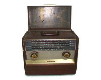 Rare Silvertone Sears 7224 Portable Multiband Tube Radio