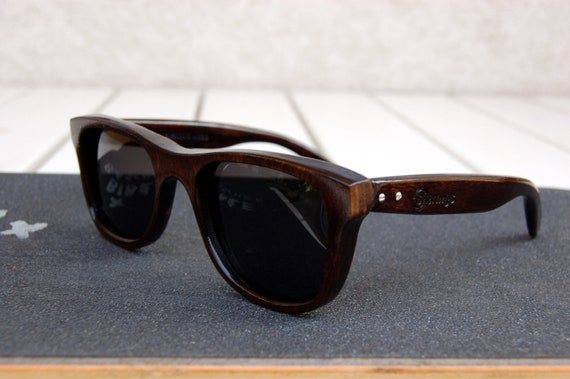 250168dcca0 Old skateboard wood sunglasses dark brown natural man style