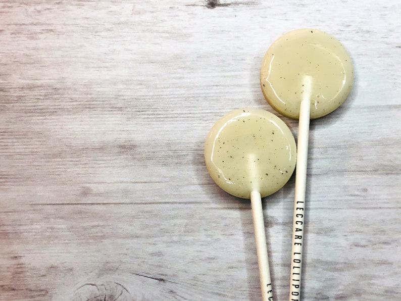 Butterscotch Caramel Lollipops // Favor for Guest // Party image 0