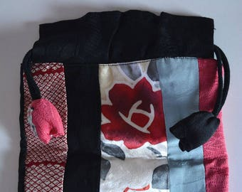 Kinchaku: drawstring purse, vintage Japanese silk fabrics