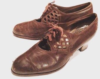 Vintage 1920s Brown Lace-Up Pumps with Cut-Outs | 1920s shoes