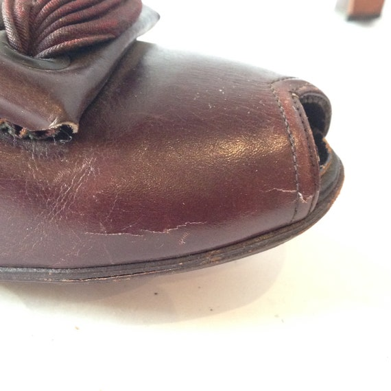 Vintage 1940s Brown Leather Peep-toe Shoes | 1940… - image 7
