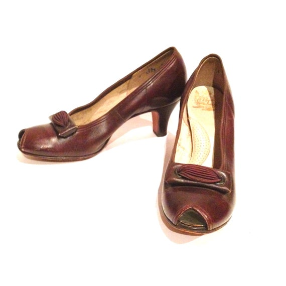 Vintage 1940s Brown Leather Peep-toe Shoes | 1940s