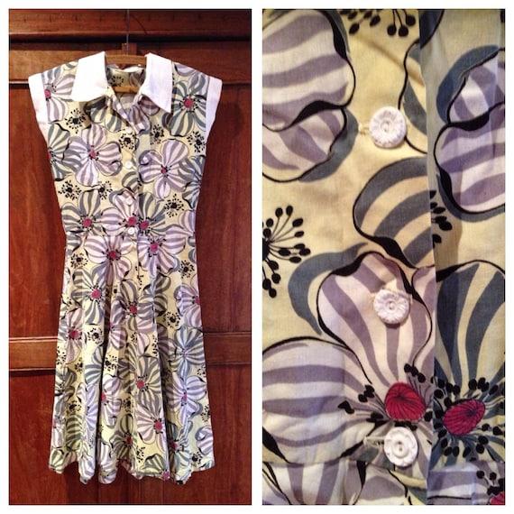 Vintage 1940s Yellow & Grey Magnolia Dress | 30 Bu