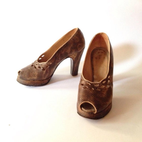 2918d1985a1 Vintage 1940s Platform Peep-toe Shoes Sz 5 AUS US