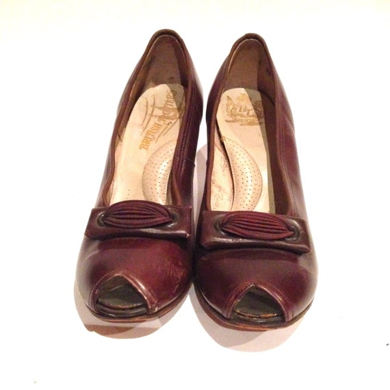 Vintage 1940s Brown Leather Peep-toe Shoes | 1940… - image 3