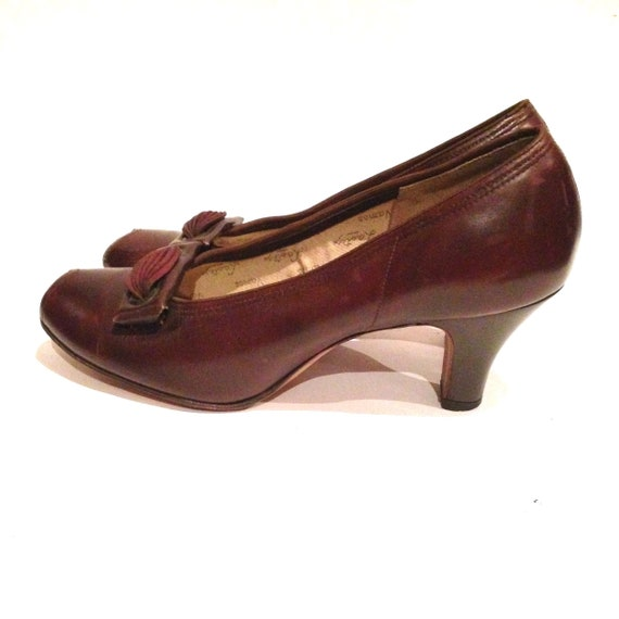 Vintage 1940s Brown Leather Peep-toe Shoes | 1940… - image 4