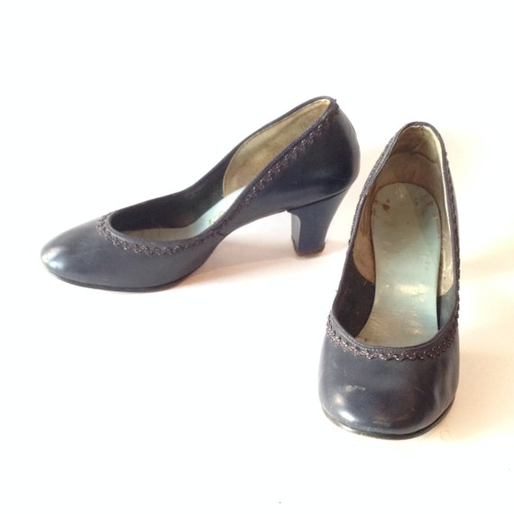 Vintage 1940s Navy Blue Pumps | Blue Shoes | 1940s
