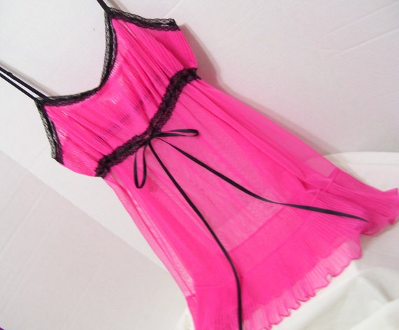 95fd5af59c341 Hot Pink and Black Victoria Secret Night Gown Babydolls Sheer Permanent  Pleated Bottom Ruffle Honeymoon Resort Cruise Wear