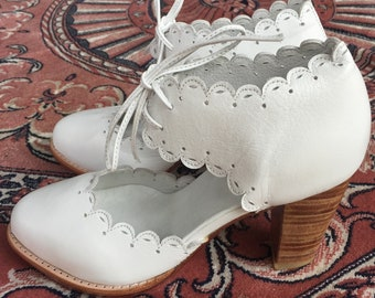 SALE. Sz. 6.5. DANCE QUEEN. Leather shoes / leather heel shoes / women dance shoes / leather high heels.