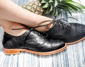 HEARTBREAK. Black Leather oxfords / black oxford shoes / black oxfords / black leather shoes. Sizes 35-43. Available in different colors
