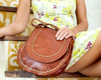 Leather crossbody bag   leather cross body purse   leather bag   saddle bag    boho bag. Available in different leather color. 9d3381e32cc9a