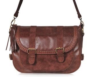 Leather messenger bag   women messenger bag   leather cross body messenger  bag   crossbody. Available in different leather colors 348a1b24979c7