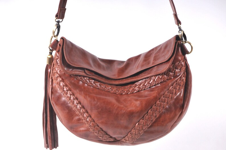 TRIANGULO. Brown leather crossbody bag   leather shoulder bag