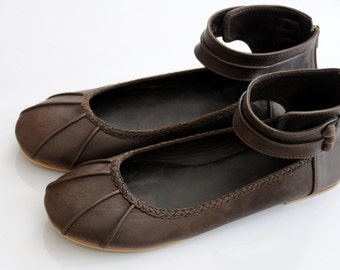 MUSE. Ballet flats / Flat shoes / cuffs / braided detail / leather shoes. Sizes US 4-13, EUR 35-43. Available in different leather colors.