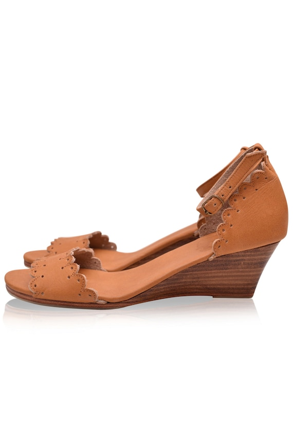 Sizes 35-43 DREAMLAND Leather wedges  women shoes  leather sandals  wedge sandals  wedge shoes Available in different leather colors