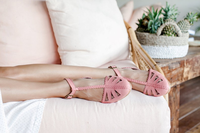 01e645d748d1f BOUNTY. Pink leather sandals / t-strap sandals / t-strap flats / t-strap  wedding shoes / t-strap shoes / leather sandals. Sizes 35-43