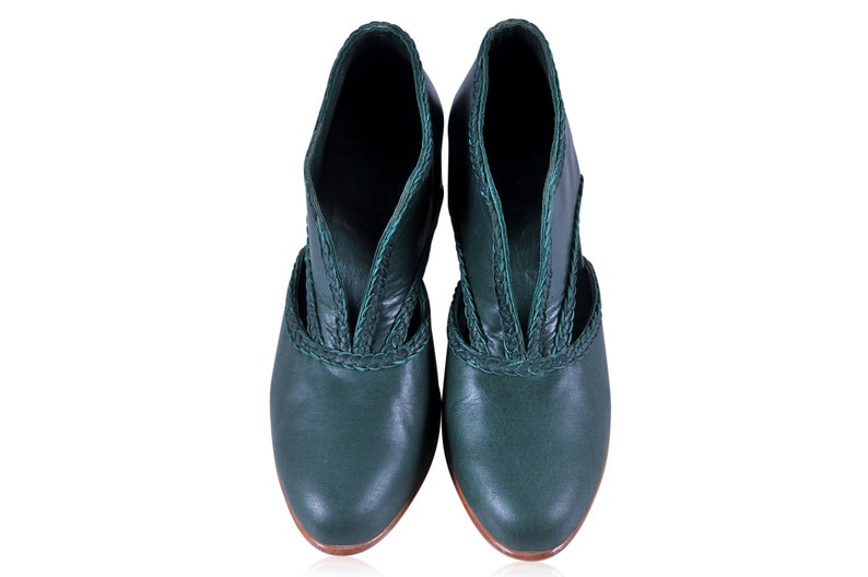 Sizes 35-43 Available in different leather colors. SPIRIT WALKER Leather booties   women shoes  women booties  vintage booties  green