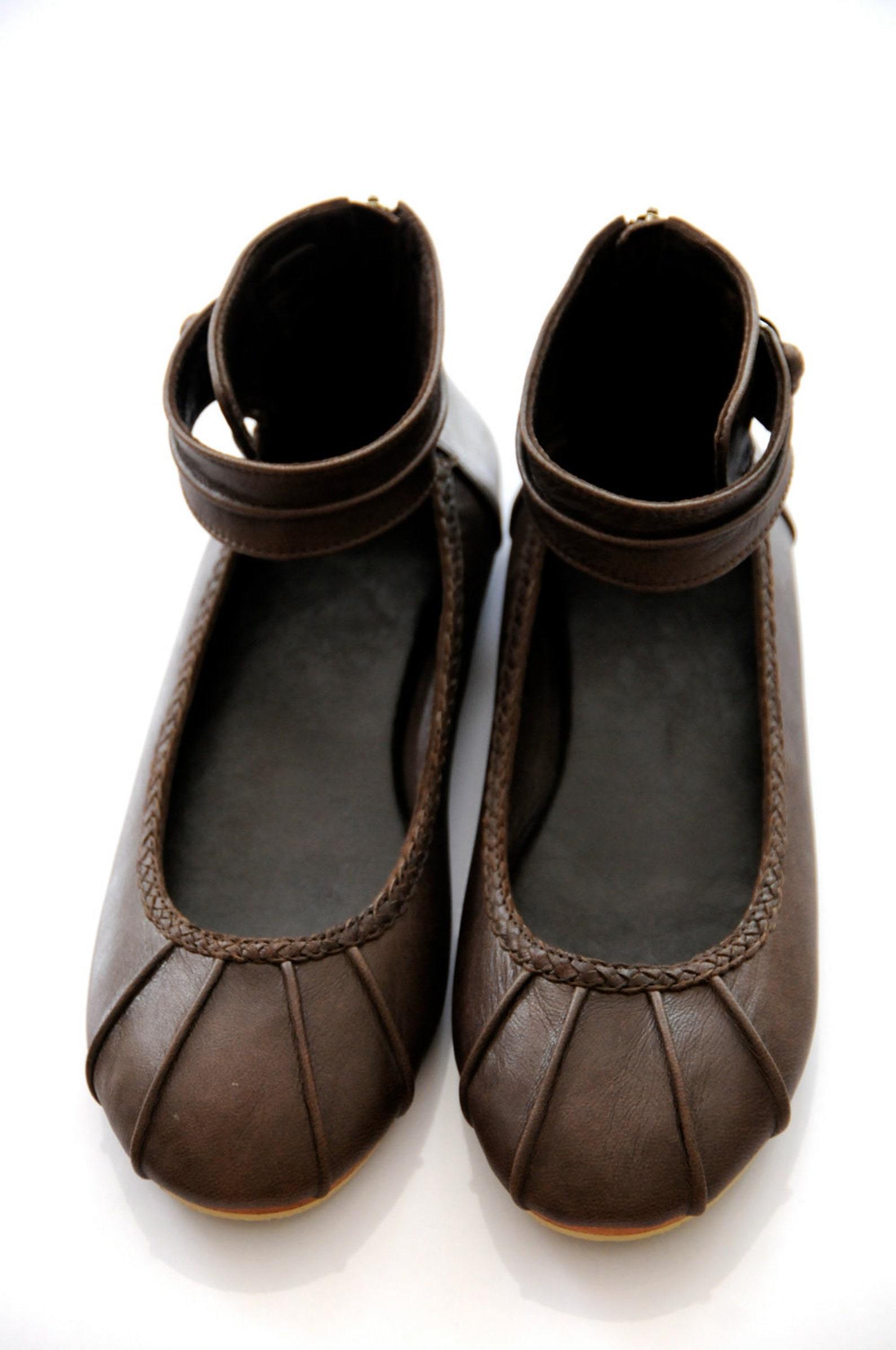muse. ballet flats / flat shoes / cuffs / braided detail / leather shoes. sizes us 4-13, eur 35-43. available in different leath