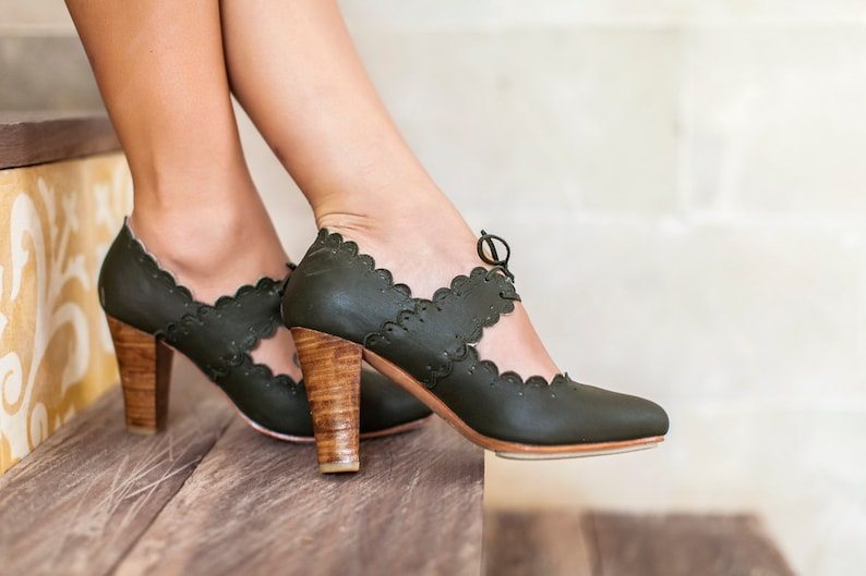 0b62fe942818f PARADISE BIRD. High heel shoes / leather heels / women dance shoes / boho  shoes / bohemian. Sizes 35-43. Available in different colors