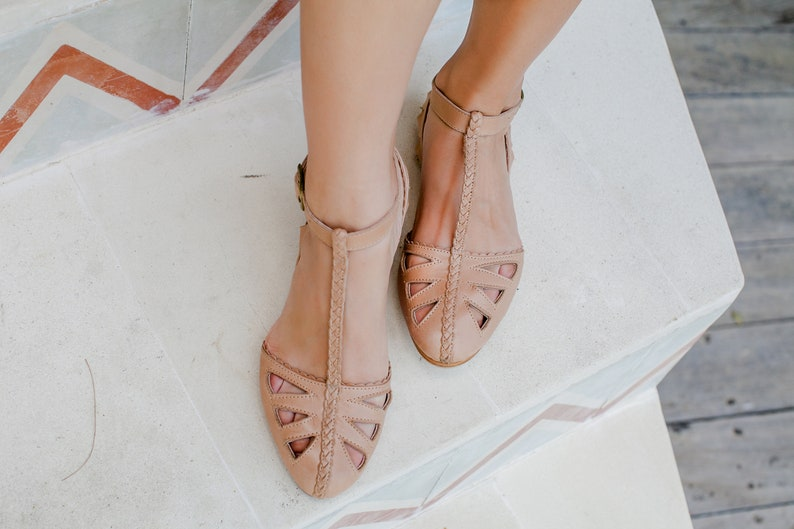 f66745e543750 BOUNTY. T-strap leather sandals / t-strap sandals / t-strap flats / t-strap  wedding shoes / t-strap shoes / leather sandals. Sizes 35-43