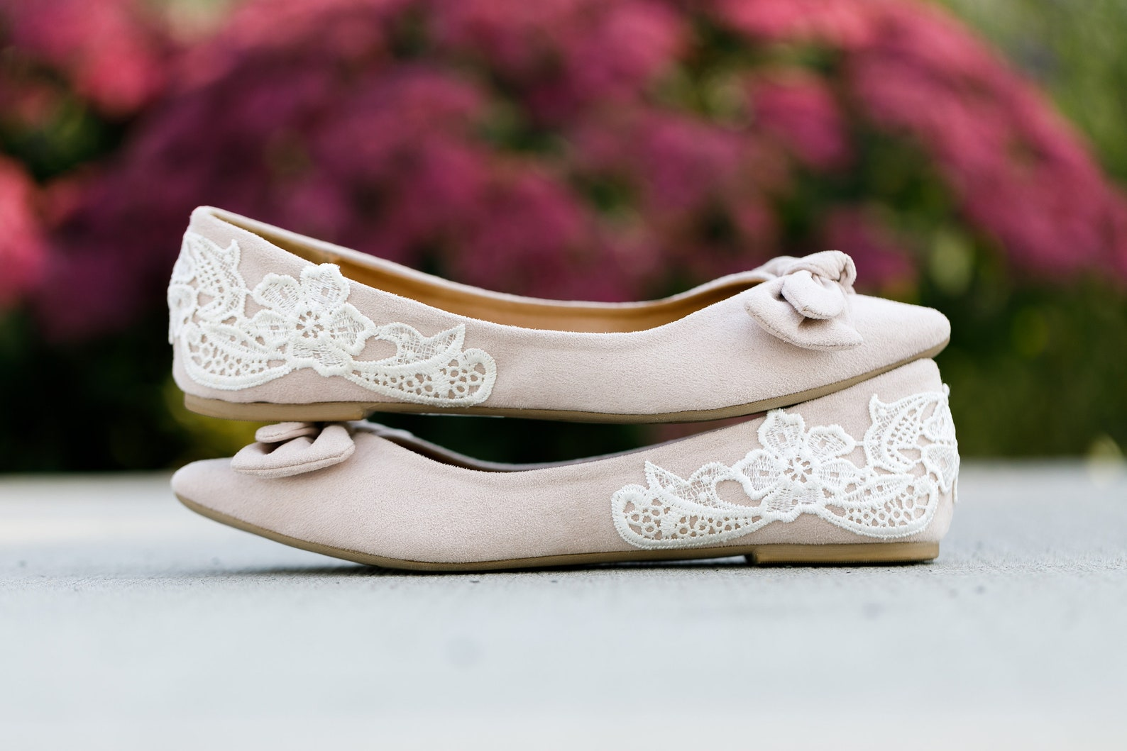 nude wedding shoes,ballet flats,bridal flats,gift,wedding flats,bridesmaid,bridal shoes with bow,flat wedding shoe,cute flat wit