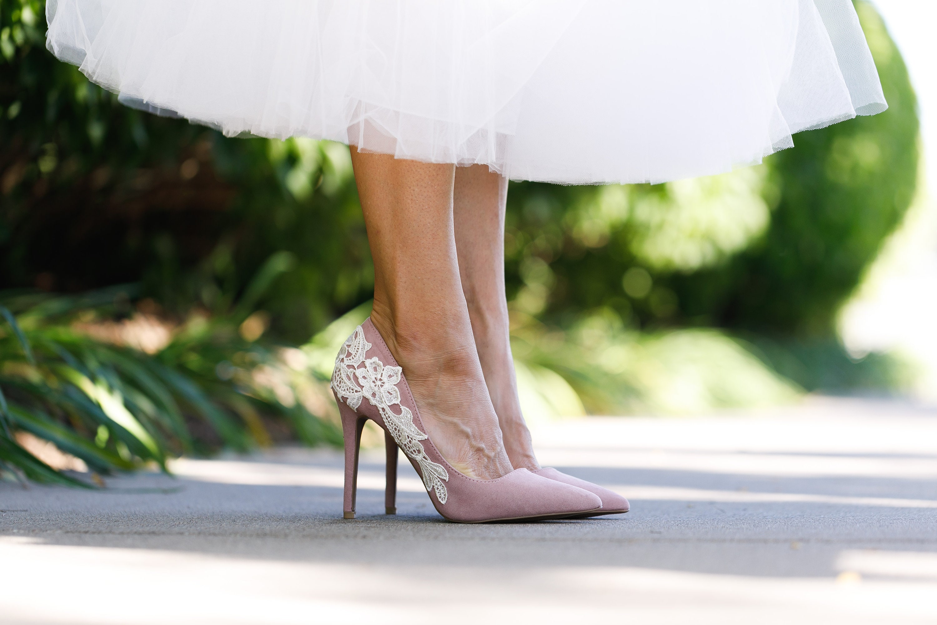 Mauve Heels,Wedding Shoes,Bridal Pumps,Pointed Toe Heels,Wedding  Heels,Bridal Shoes,Gift,Engagement Photos,Bridesmaid Shoes with Ivory Lace