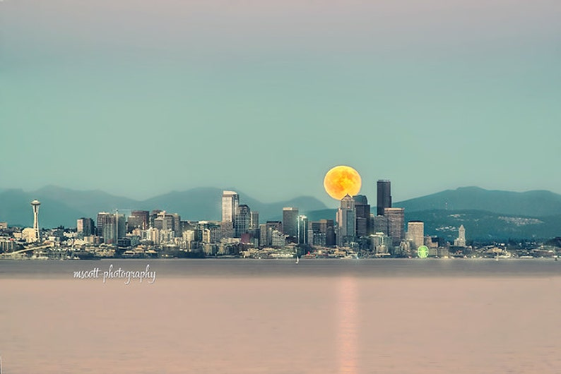 Seattle City Scape  Blood Moon  Full Moon  Puget Sound  image 0