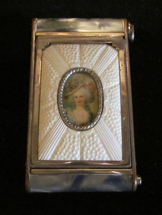 1930s Powder Compact Victorian Style Rouge Compact
