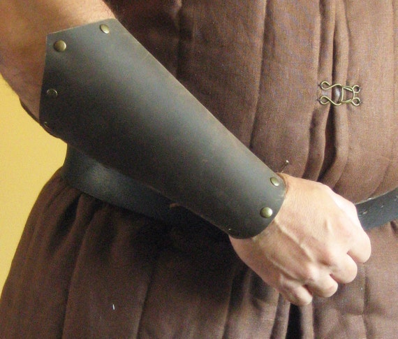Medieval Armor Viking Men-at-Arms Bracers Plain