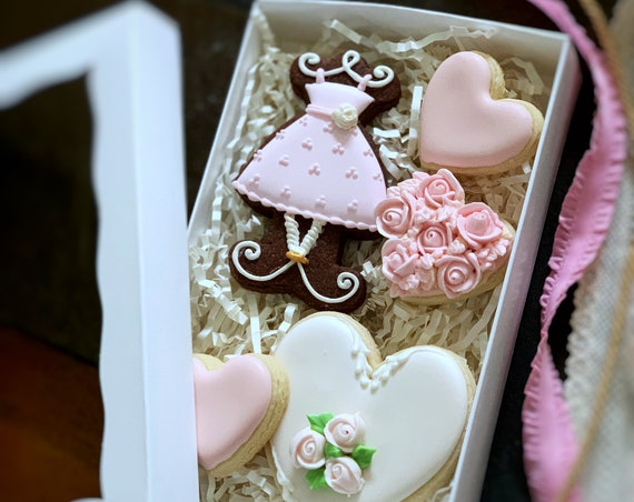 Bridesmaids or Maid of Honor Cookie Gift in a Box, Wedding Cookie Favors, Edible Gifts, Decorated Cookies