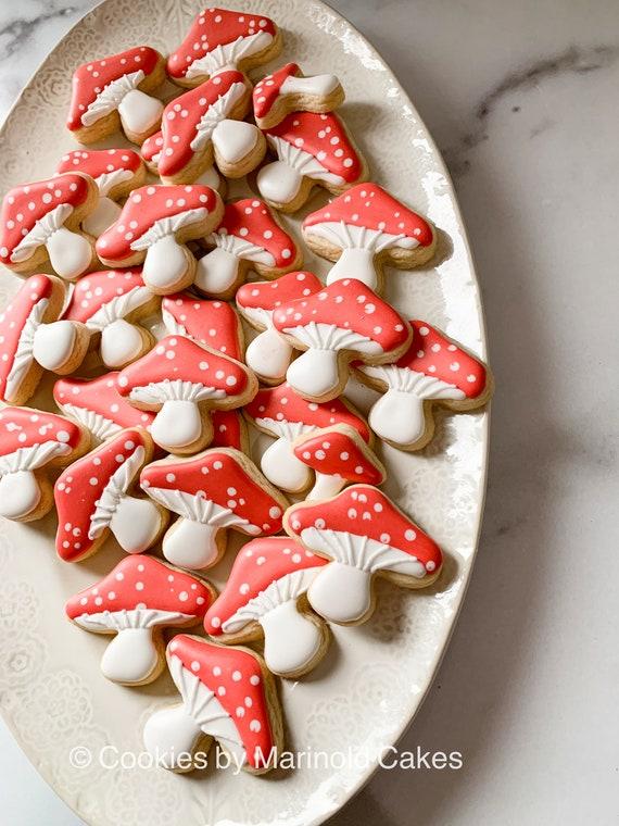 12 Mushrooms - Alice Inspired Cookie Favors