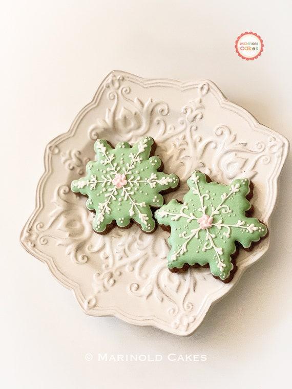 12 Snowflake Cookies