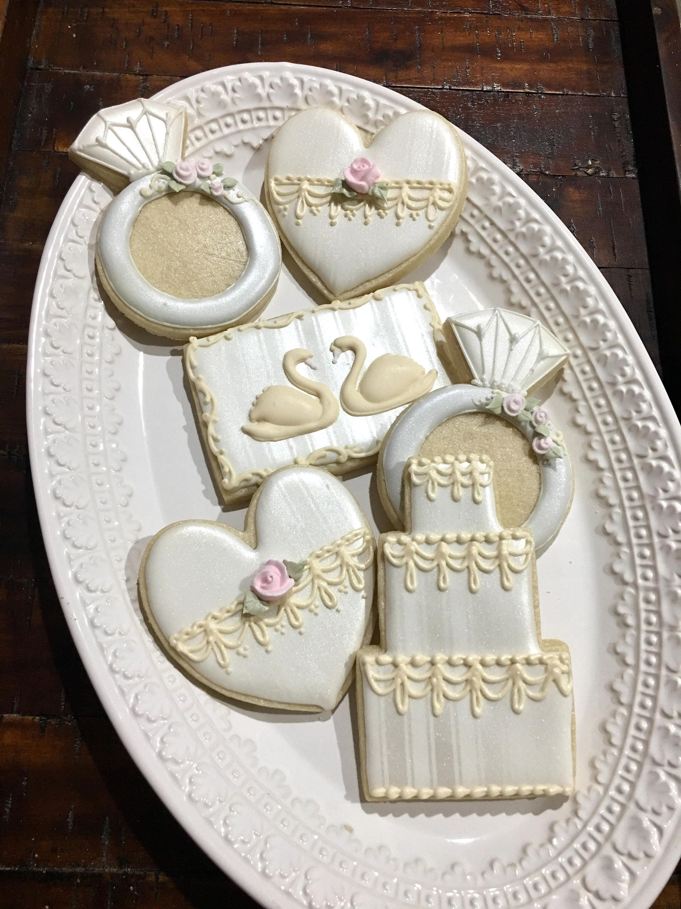 Set of 12 Wedding Favor Cookies - Cake, Swan, Ring and Heart-Classic ...