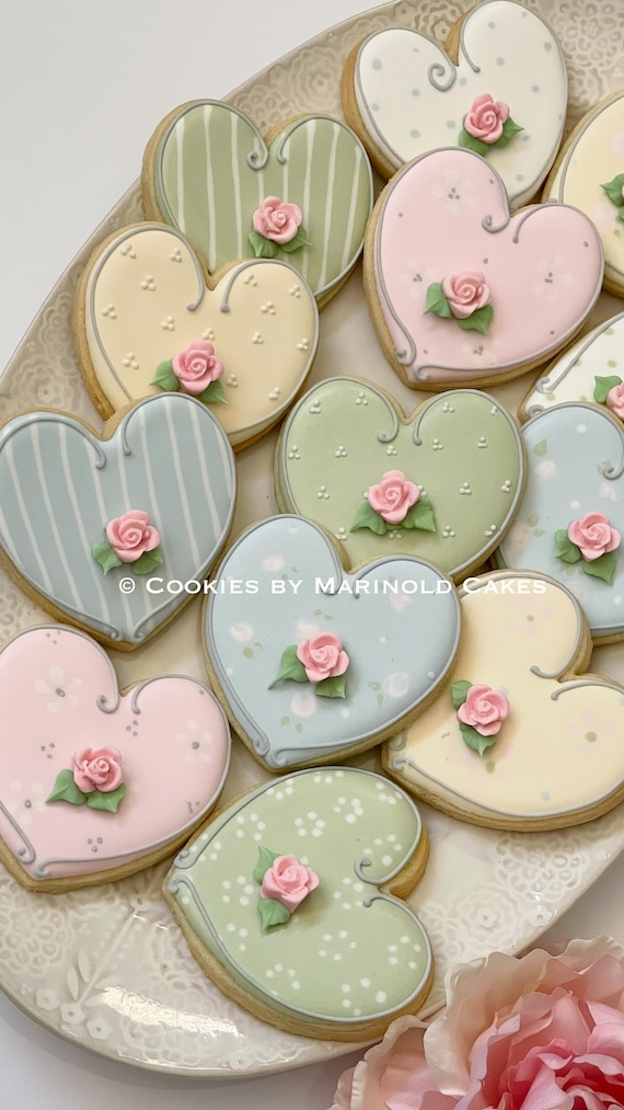 Large Shabby Chic Themed Heart Cookies with Rosebud