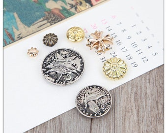 4 Pcs 0.71~1.18 Inches Retro DIY Anti-Silver/Gold/Bronze Patterns Rivets Snaps Metal Shank Buttons For Belts Bags Wallets