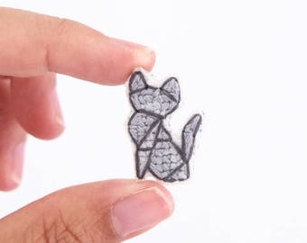 Russian Blue cat cross stitch pin, gifts for cat lovers, kitten collar pin, cat pin, gifts under 30, gifts for cat moms, gray cat pin
