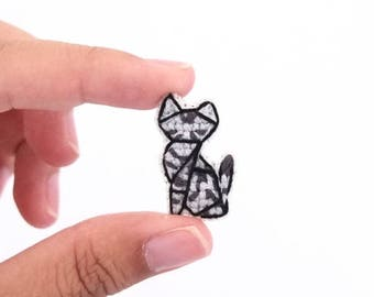 American Shorthair cat cross stitch pin, gifts for cat lovers, kitten collar pin, cat pin, gifts under 30, gifts for cat moms, grey cat pin