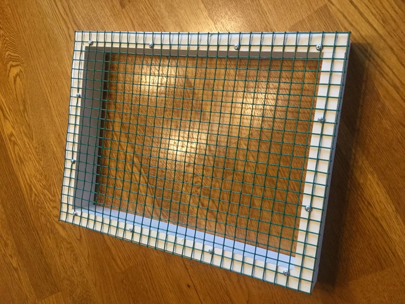 Wire mesh insert for litter tray-waterproof image 0