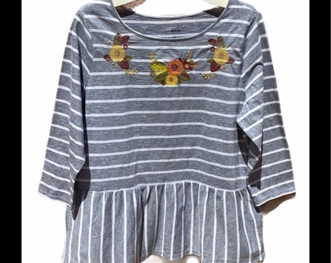 Sonoma peplum top w/ embroidery