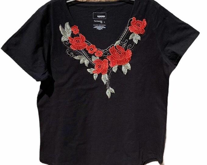 Sonoma top w/custom flower detail